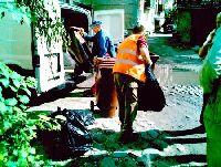 Из подвала дома в Калининграде  вывезли медицинские отходы