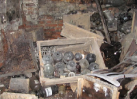 В Калининграде в подвале жилого дома хранились токсичные медицинские отходы
